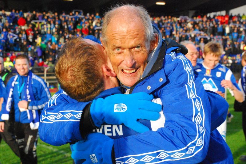 Jan jublar etter 3-1 triumfen i semfinalen på Høddvoll mot Brann i 2012. Foto: Arne